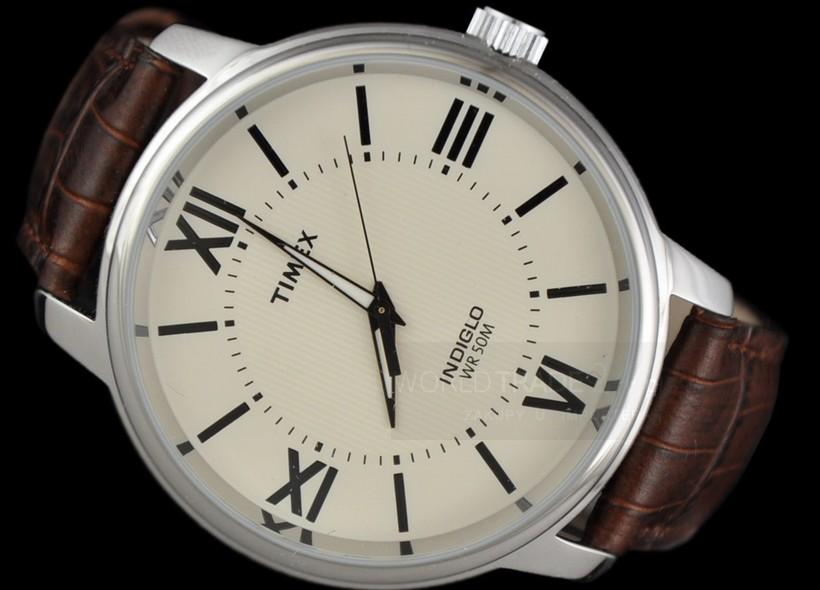Jak nosić klasyczny zegarek?
