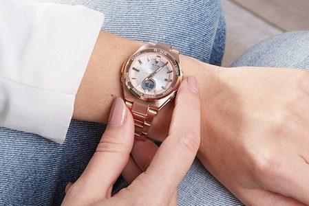 Jak nosić zegarek? Na prawej czy lewej ręce?
